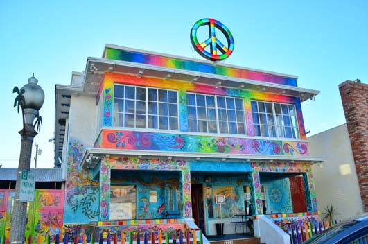 13 Ocean Beach Hippie Hostel 531
