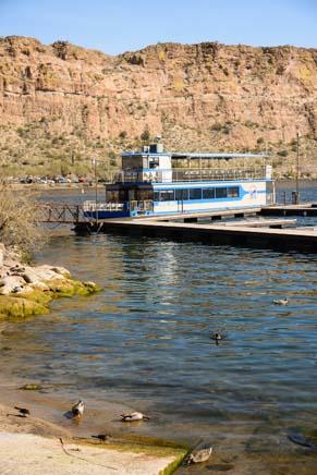 Desert Belle boat in Saguaro Lake