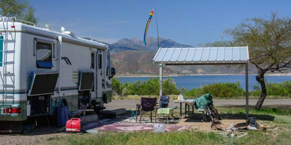 Developed campsite at Windy Hill Campground on Roosevelt Lake