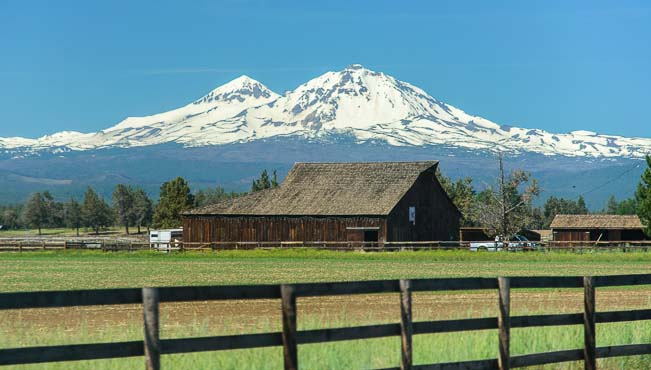 Barn and mountain in Sisters Oregon