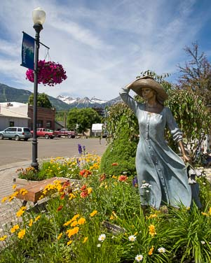 Sacajawea statue in Joseph Oregon