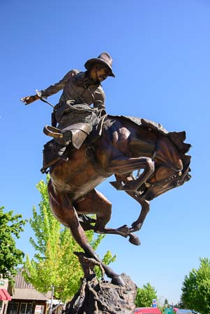 Rodeo sculpture in Joseph Oregon