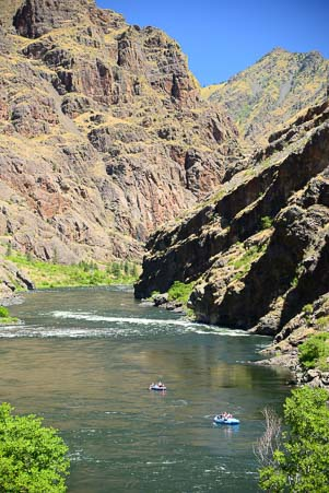 Tubing on the Snake River at Hell's Canyon