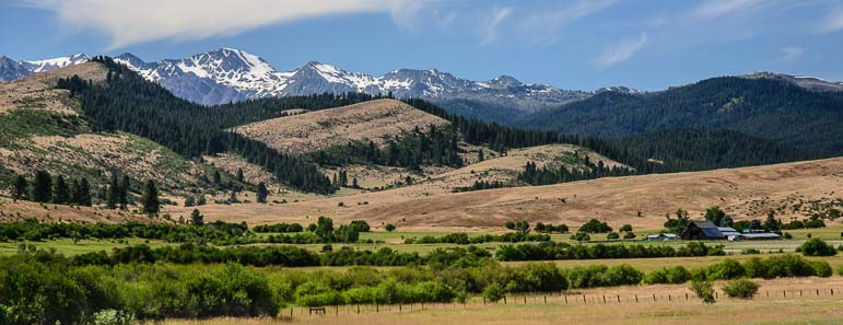 Farm and prairie in eastern Oregon
