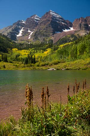 Vivid colors at Maroon Bells in Colorado