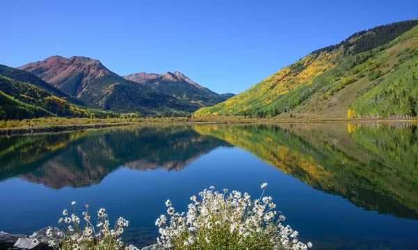 A hint of autumn at Crystal Lake near Ouray CO