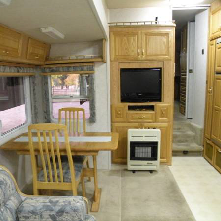 Fifth wheel RV interior