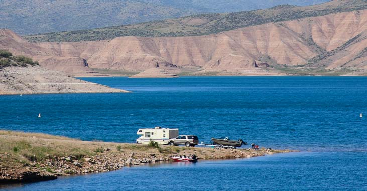 Boondocking, boating and camping at Roosevelt Lake in Arizona