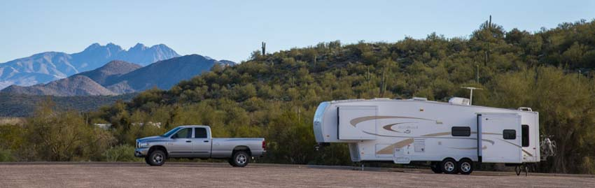 5th wheel RV camping in Arizona
