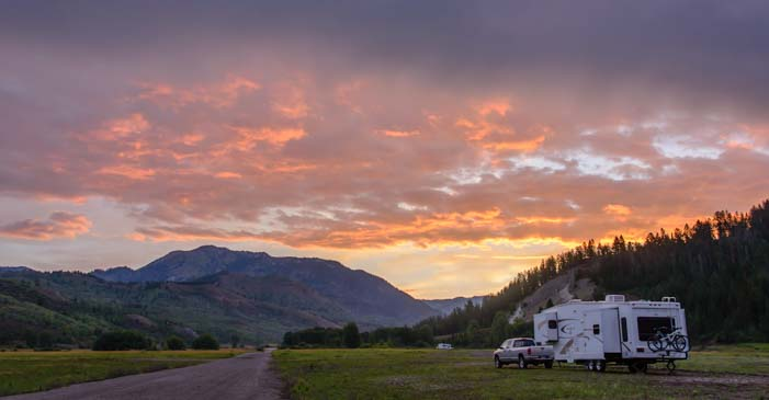 RV boondocking with a fifth wheel trailer in Wyoming