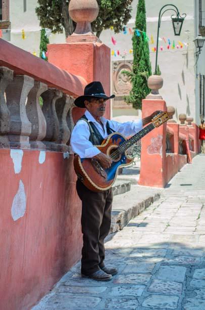 San Miguel de Allende Mexico street musician