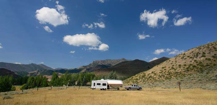 boondocking with a fifth wheel trailer in Idaho