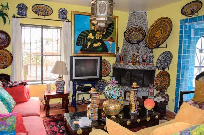 Toller Cranston's House Inside-7