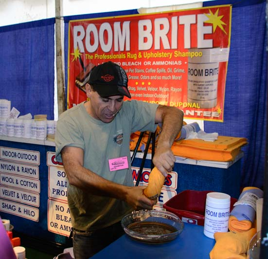 ShamWow towel demonstration at the Quartzsite RV Show