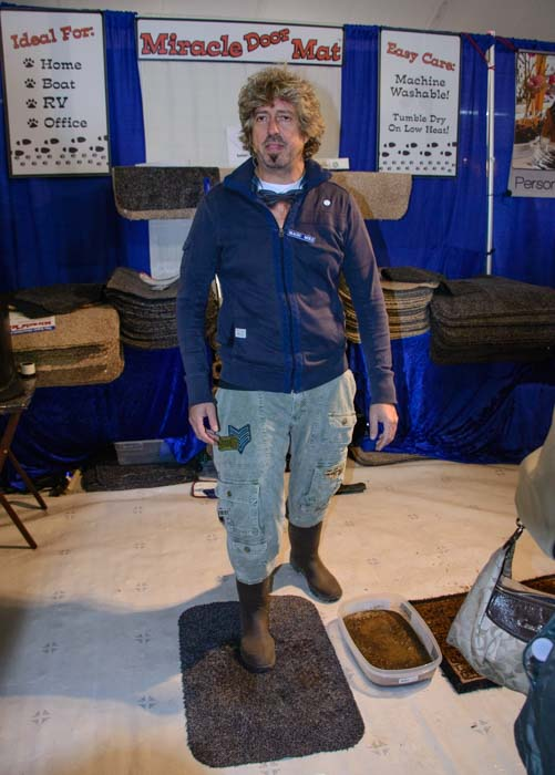 Miracle Doormat demonstration at the Quartzsite Arizona RV Show