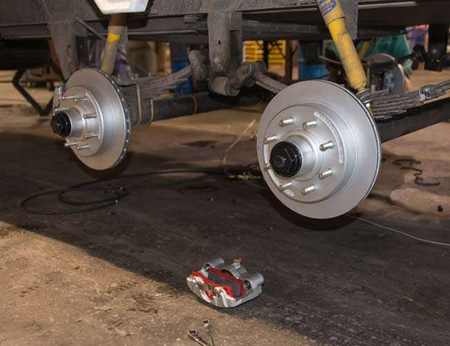 Trailer disc brake rotors installed