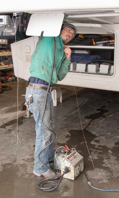 Wiring in electrical cable for disc brake actuator in a 5th wheel trailer RV