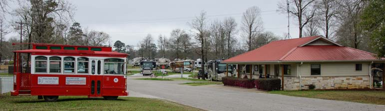 Rainbow's End RV Park at Escapees Headquarters