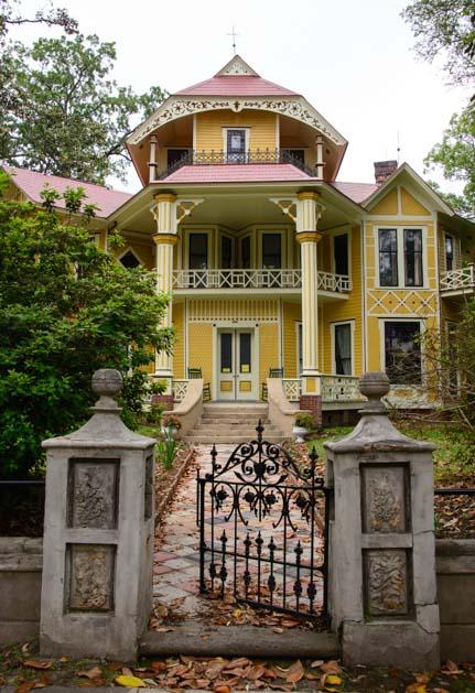 Antebellum mansion in Thomasville Georgia