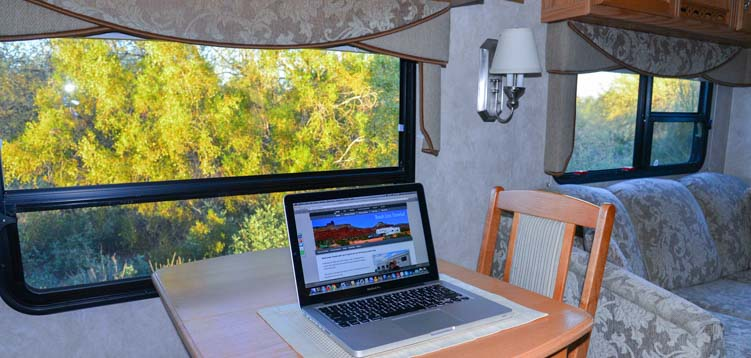 RV travel blog writing