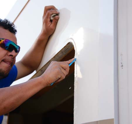 Removing silicone seal on RV window