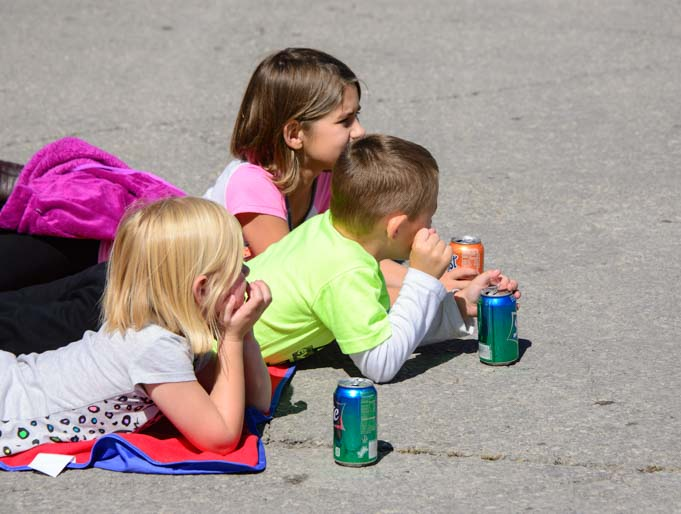 Little kids enjoying the parade at Biblesta in Humboldt Kansas