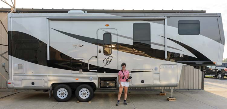 Custom Fifth Wheel Trailer RV By Spacecraft Manufacturing