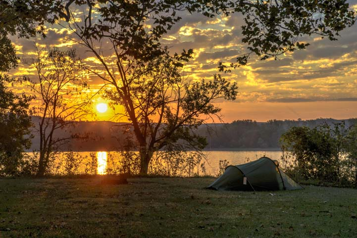 Camping sunrise Tuttle Creek State Park Kansas