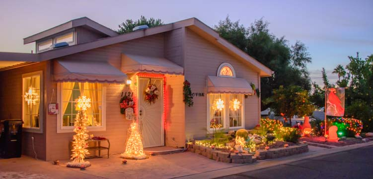ViewPoint RV & Golf Resort park model Christmas lights