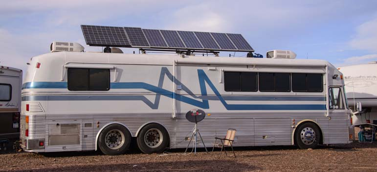 Custom bus conversion solar power project