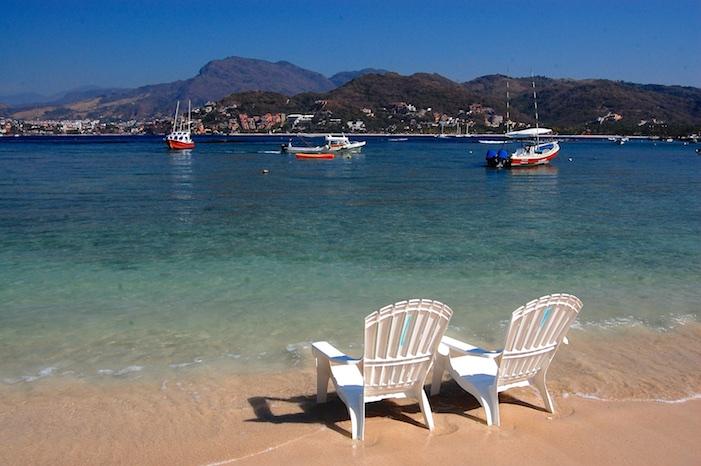 Playa Las Gatas Zihuatanejo Mexico
