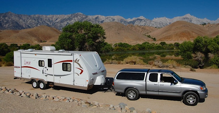 Toyota Tundra and Fleetwood Lynx Travel Trailer RV
