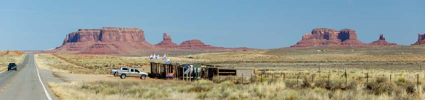 Monument Valley selling Indian crafts Arizona