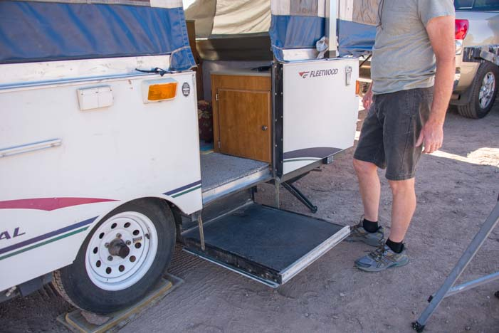 Popup camper trailer RV Setting up the door