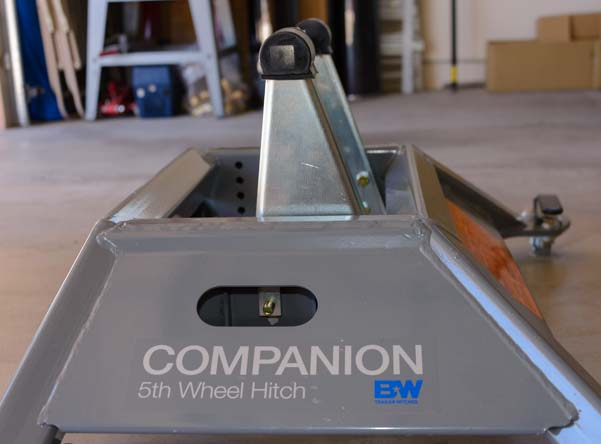 B&W Companion 5th wheel hitch assembly