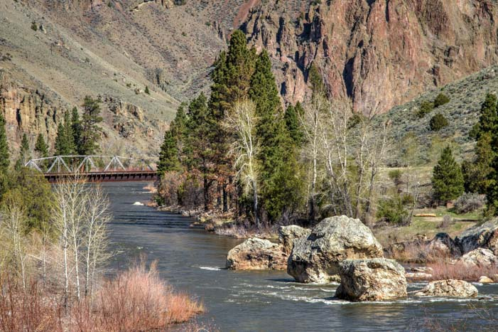 RV roadtrip on the Salmon River Idaho