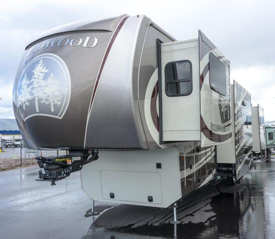 Redwood Fifth Wheel with five slides
