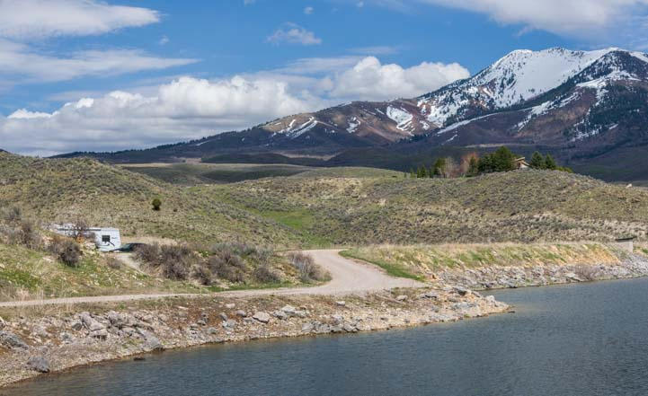 RV camping by southeastern Idaho lake