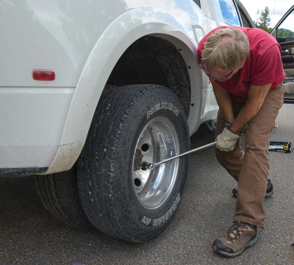 Breaker bar to remove rear wheel on dually truck