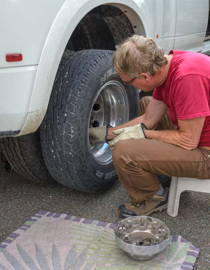 Fixing rear flat on Ram 3500 dually pickup