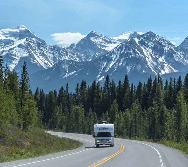 RV in Rocky Mountains on Icefields Parkway