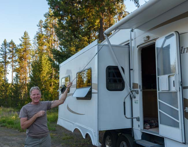 How to set up RV awning - pull awning out