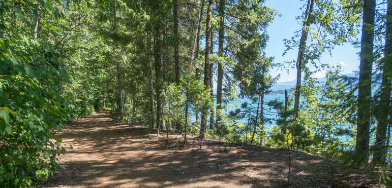Pend Oreille Bay Trail bike path and running trail Sandpoint Idaho