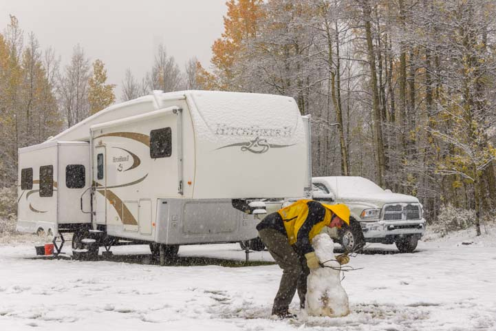 Winter RVing in the snow