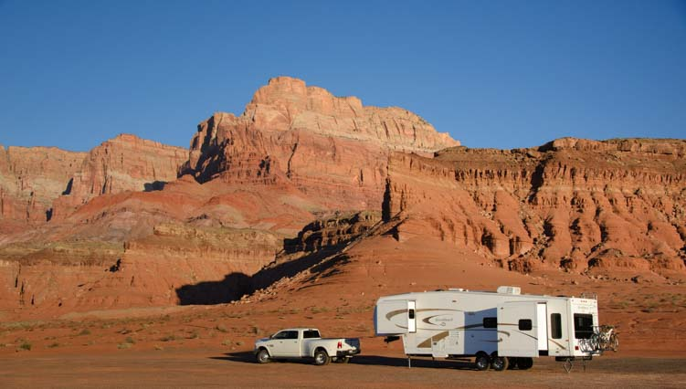 RV boondocking or wild camping in red rocks