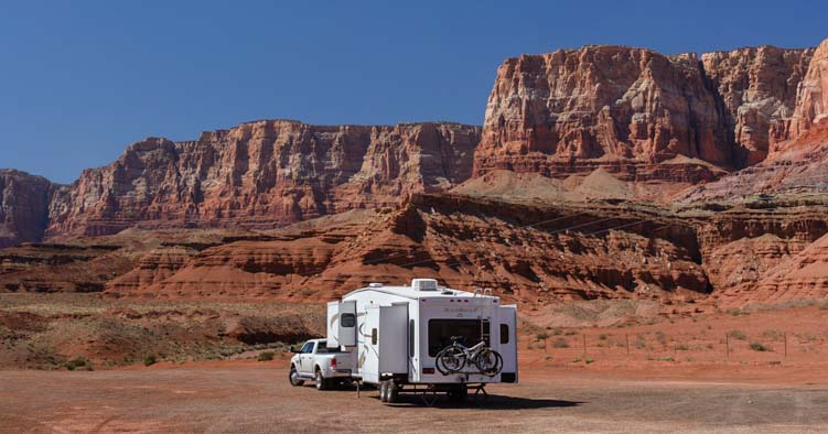 Boondocking or wild camping in an RV in red rocks