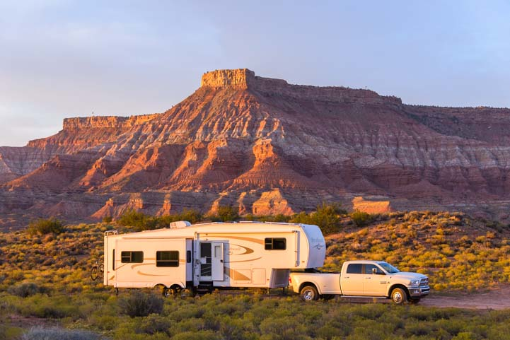 Wild camping RV boondocking in red rocks late afternoon