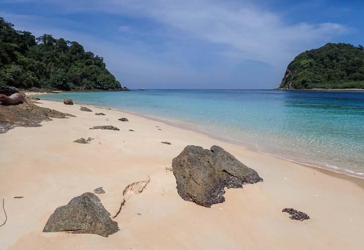 Ko Rok beach Dive & Relax Snorkeling Tour Ko Lanta Thailand