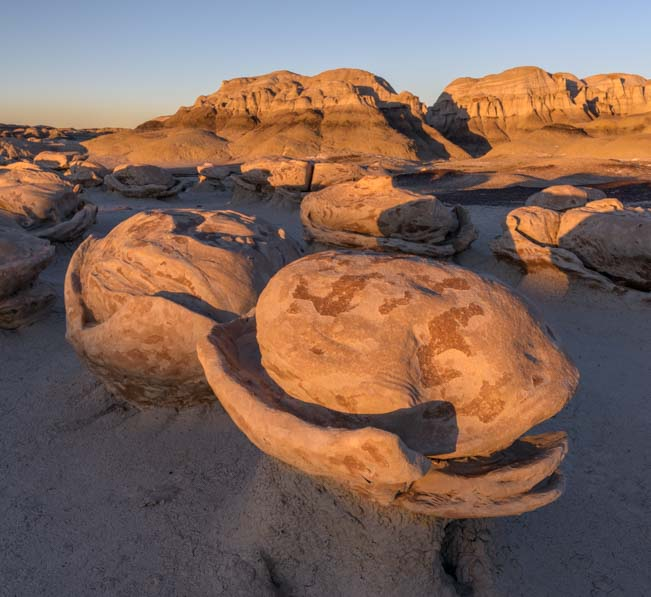 Eggs on pedestals Bisti De-Na-Zin Wilderness New Mexico