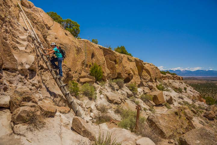 Tsankawai Ruins hike Bandelier National Monument New Mexico